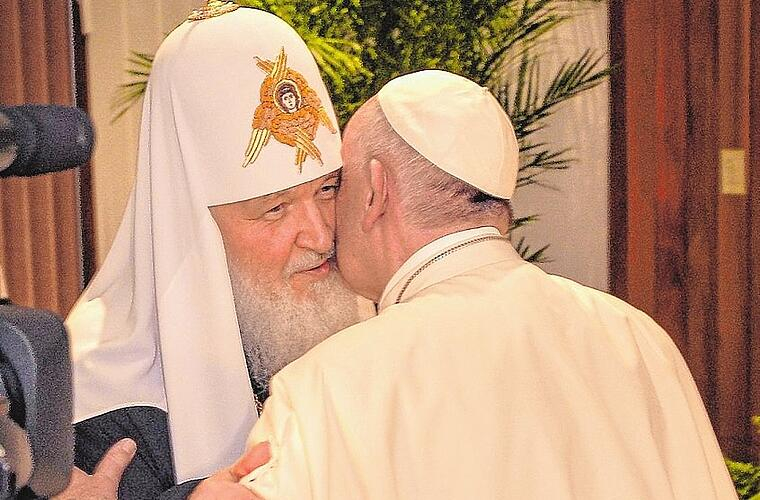 Pope Francis meets with Russian Orthodox Patriarch Kirill