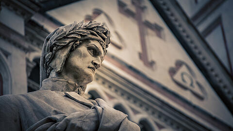 Poet statue of Danti in florence italy (rusty426)