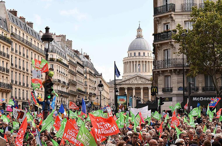 Demonstration in Paris gegen neues Bioethikgesetz