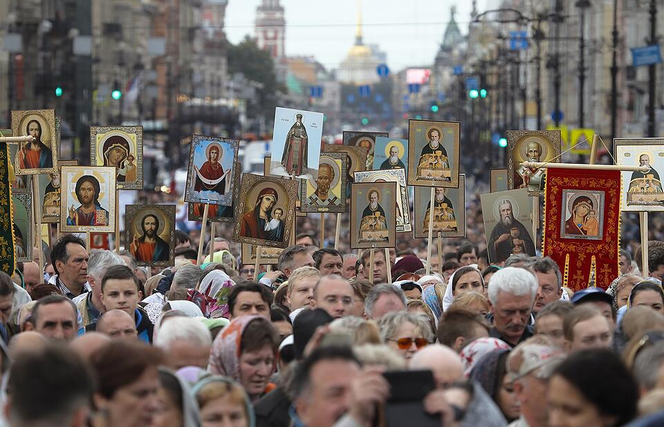 Orthodoxe Prozession in St. Petersburg